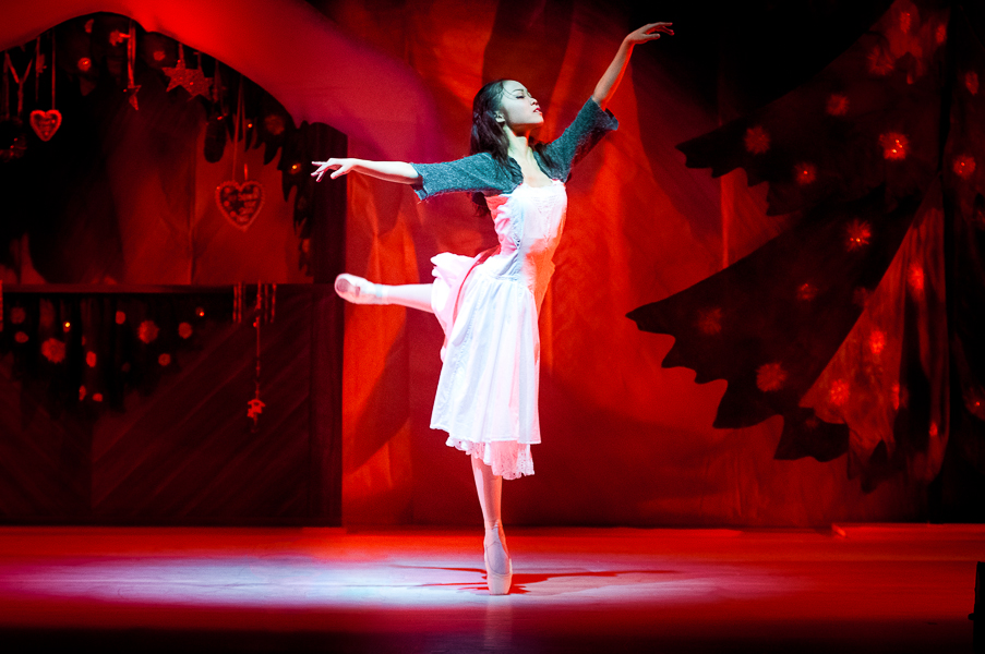 "Ballerina Eriko Kogure in ""The Little Match Girl"""